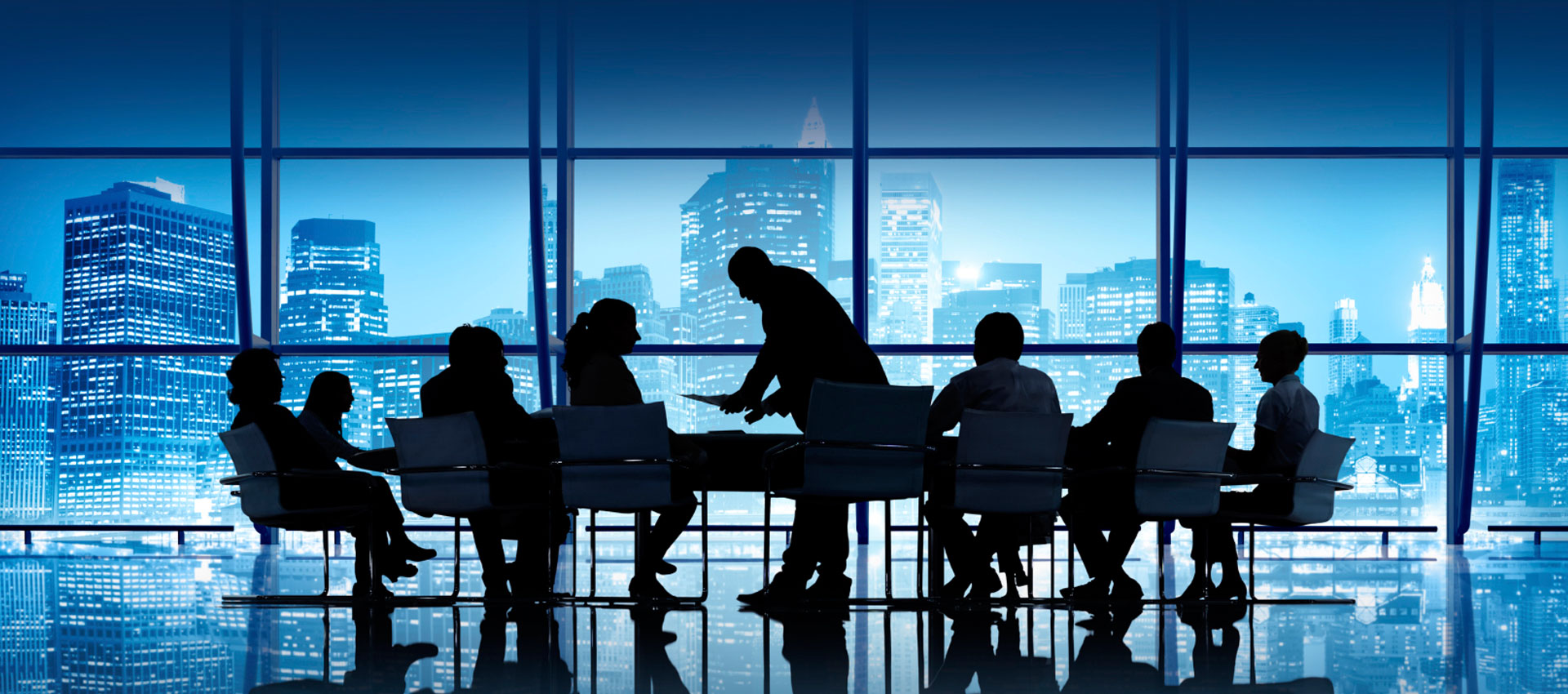 board of directors introduction A board of directors is a recognized group of people who jointly oversee the activities of an organization, which can be either a for-profit business, nonprofit organization, or a government agency.